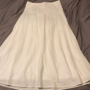 Beautiful lined white linen skirt 39 inches